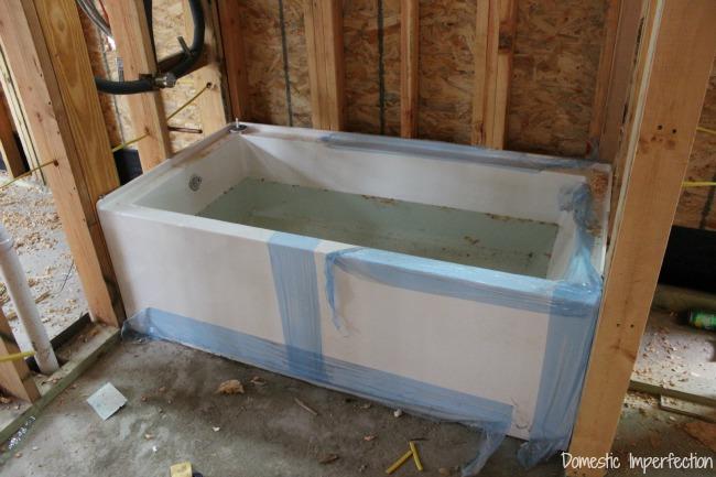 Mirabelle soaker tub