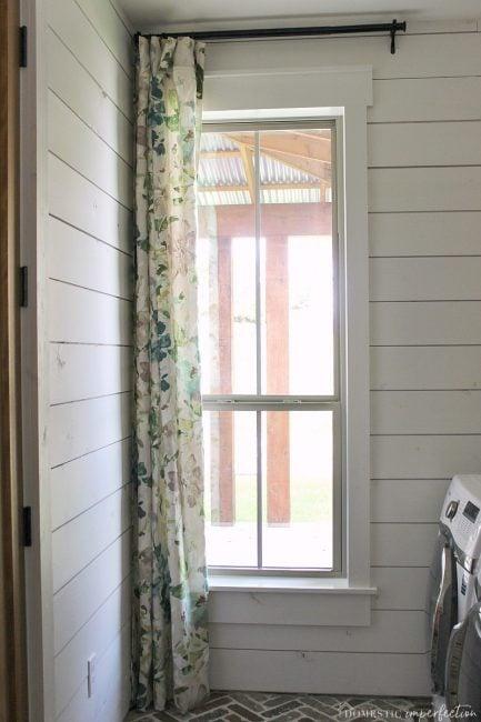 simple farmhouse window trim